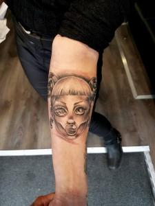black&grey-girl-tattoo
