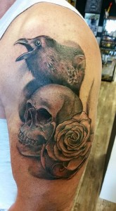 crow-skull-rose-tattoo